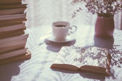 【私の本の選び方】おもしろい本は一行目に心ひかれる